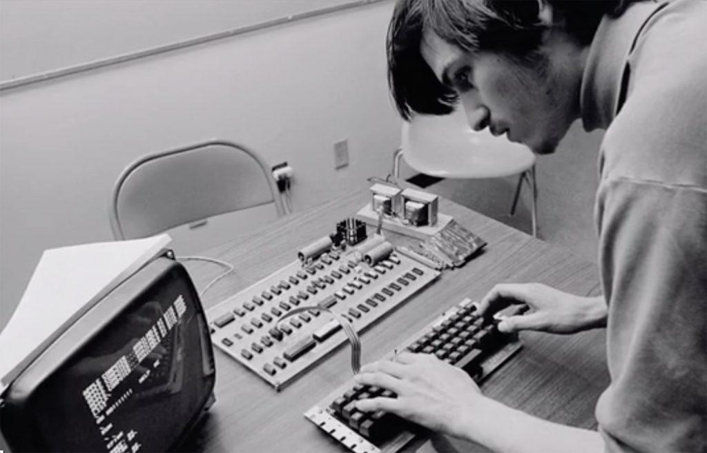 10 anni fa ci lasciava Steve Jobs